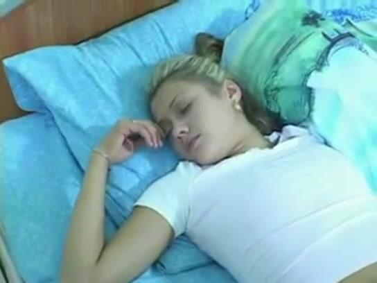 Дал Сестре Снотворное И Трахнул, Пока Она Спала
